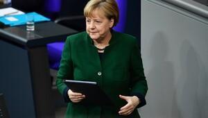 Merkelden kritik Türkiye açıklaması