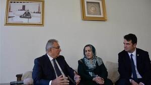 Baykaldan Ahmet Türkün eşine ziyaret