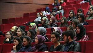 Üniversitede cinsel yaşam konferansı