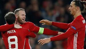 Manchester United tur kapısını araladı 4 gol...