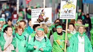 Sağlık-sosyal bakım çalışanları yürüdü