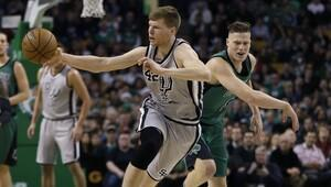 Spurs ve Warriors tutulamıyor