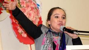 CHPli Cankurtaran: 93 yıllık çınar ağacımızın üzerinde başka aşı tutmaz