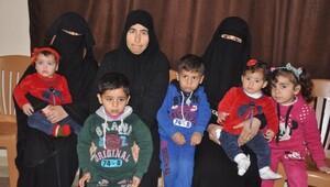 Suriyedeki savaş anne, kızı ve gelinini dul bıraktı