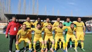 Hakkari Spor, Tatvan Gençler Birliği Spor ile 1-1 berabere kaldı