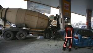 Benzinliğe girdi 5 kişi yaralandı