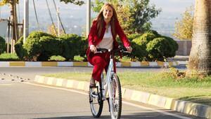 ODTÜ KKTC'nin yeni rektörünün makam arabası bisiklet