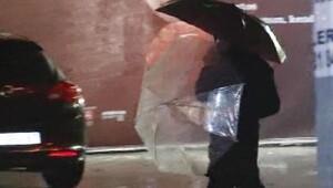 İstanbulda yağmur ve trafik yoğunluğu