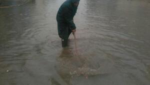 Ödemiş Belediyesinden yağmur mesaisi