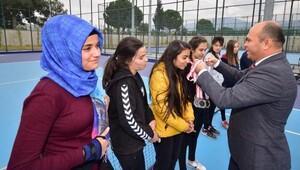 Osmaniyede tenis heyecanı