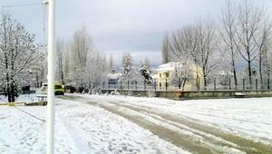 Korkuteline yılın ilk karı yağdı