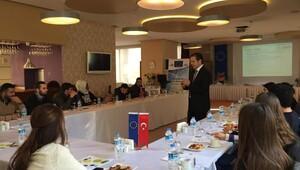 Edirnede AB Bilgi Merkezi, projelerini üniversitelilere anlattı