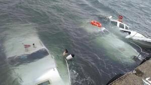 Enezde fırtına 3 tekneyi batırdı