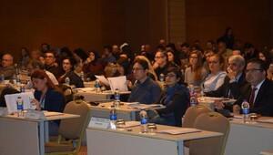 Mültecilerin çalışma izni konferansta tartışıldı