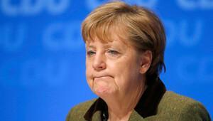 Merkel ve dört bakana emisyon skandalı sorulacak