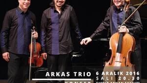 Arkas Trio, EÇEV için sahne alacak