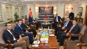 YÖK Başkanından Tuncelide Alevi-Bektaşilik Araştırmaları Enstitüsü sözü