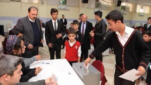 Osmaniyede İl Öğrenci Meclisi Başkanı seçildi
