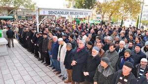 Halepte ölenler için Manisada gıyabı cenaze namazı