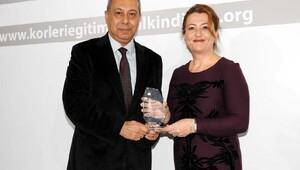 Fatma Şahin'e çifte ödül