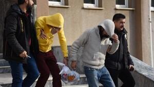 Çorluda 14 işyerini soyan hırsızlar yakalandı