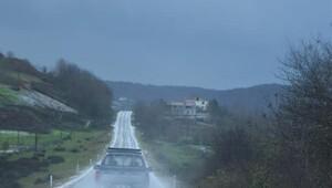Sinop'ta sağanak yağmur ve dolu hayatı etkiledi