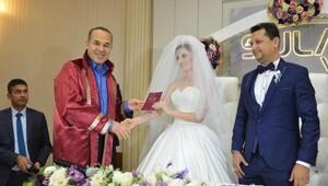 Belediyecilerin nikahını Başkan kıydı