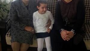 Valinin eşi Kamçı'dan çocuk evleri ve koruyucu aileye ziyaret