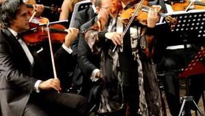 Tatjana Masurenko viyolasıyla büyüledi
