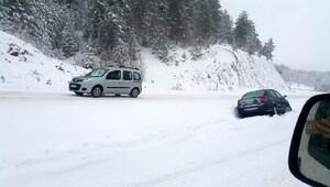 Karabükte kar ulaşımı aksattı