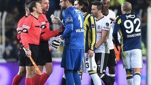 Fenerbahçe-Beşiktaş maçında ortalık karıştı
