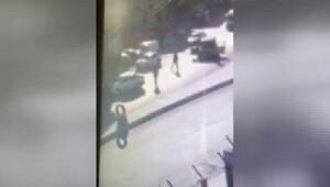 Gazi Mahallesinde dur ihtarına uymayan şüphelilerle polis arasında çatışma: 1 ölü (geniş haber)