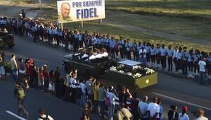 Fidel Castronun cenaze töreninden kareler