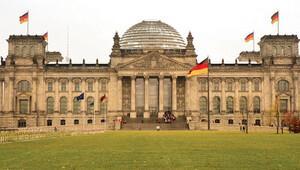 Alman Meclisi'nden çalınan bilgiler seçimi mi bekliyor