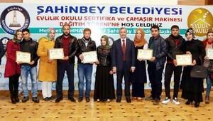 Evlilik Okulunda 160 çifte sertifika