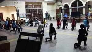 Gençler, Nevşehir yöresi halk oyunlarını öğreniyor