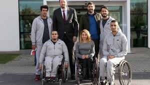 TBF Başkanı Türkoğlu engelli sporcuları ağırladı