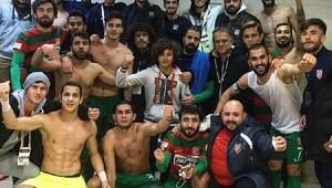 Karşıyakalı 8 futbolcudan yönetime şok
