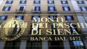 İtalyada Renzinin yenilgisiyle Monte Paschi bankasının geleceği tehlikede