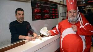 Kahramanmaraşta Dolarını bozdur, oyunu boz kampanyasına destek