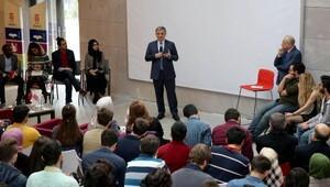 11inci Cumhurbaşkanı Gül, adını taşıyan üniversitede derse katıldı