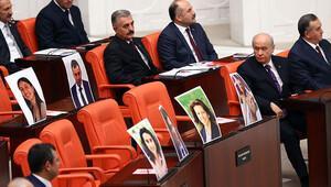 Yan sıradaki HDPli fotoğraflarına bakış