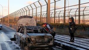 Haliç Köprüsündeki araç yangını metrobüs seferlerini durdurdu(geniş haber)