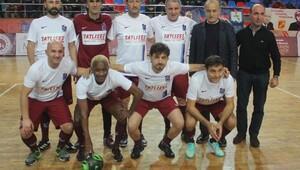 Trabzonspor'un efsane futbolcuları salona indi