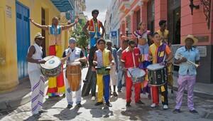 Devrimin, dansın ve aşkın ülkesi: Küba