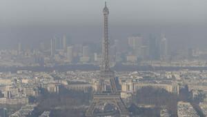 Paris'te araçlara trafiğe çıkış yasağı