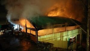 Kartepede kayak merkezi yolundaki restoran yandı