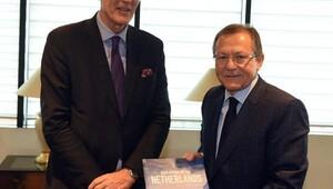 Hollanda başkonsolosundan başkan Uğura ziyaret