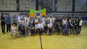 Beşiktaş RMK Marine ile ERA Okulları farkındalık maçı yaptı