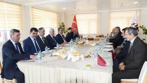 Vali Özefe, il genel meclis üyeleri ile bir araya geldi
